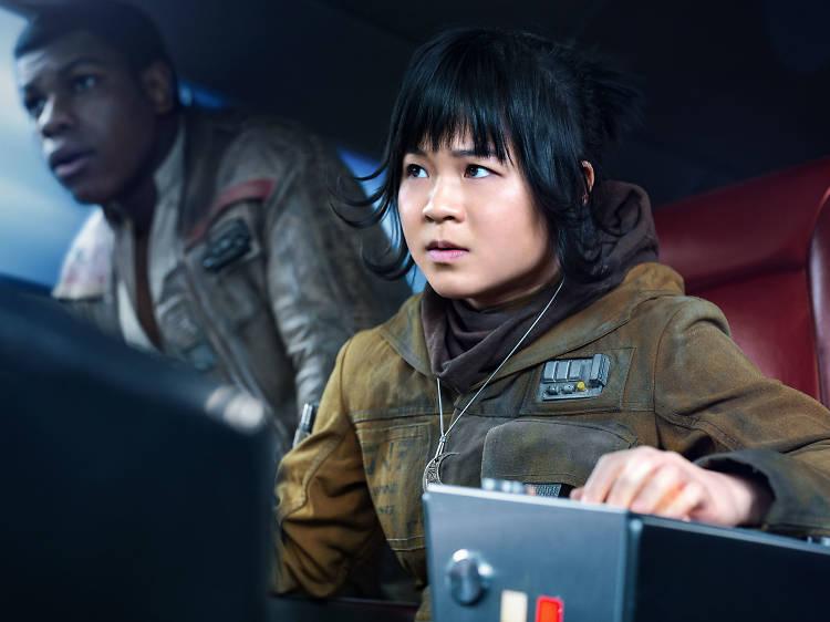 Kelly Marie Tran hace su debut como actriz con Rose Tico, un personaje de Los últimos Jedi