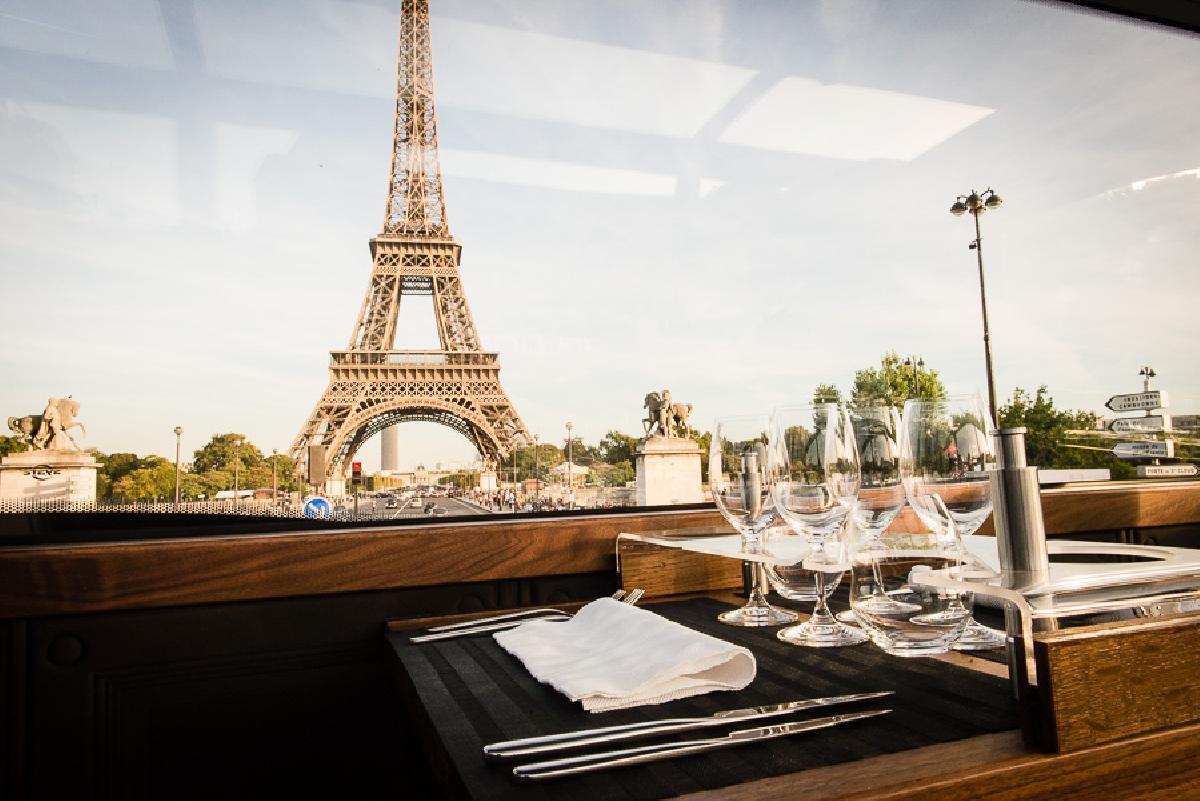 Paris food tours- Luxury bus dining