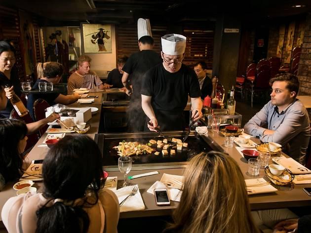 Chef cooking infront of customers at I Chi Ban Teppanyaki