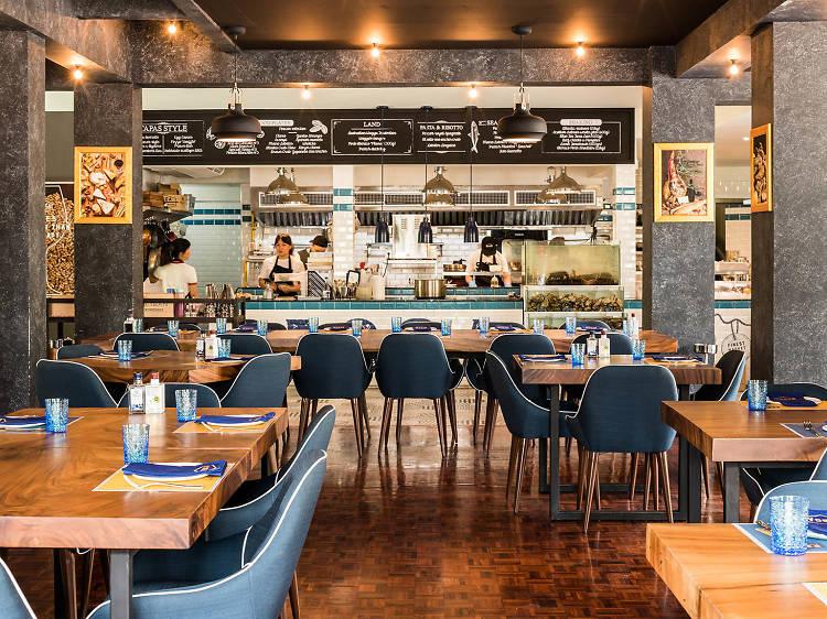 Best restaurants and cafes in Ekkamai