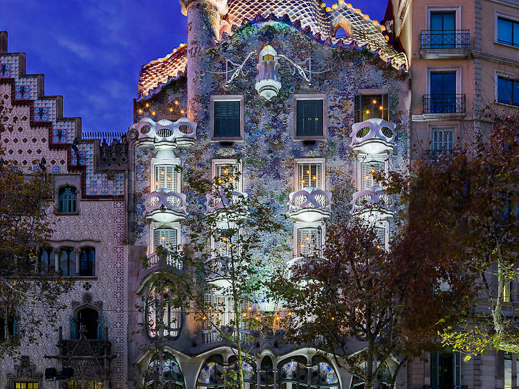 Spot the dragon on the roof at Casa Batlló