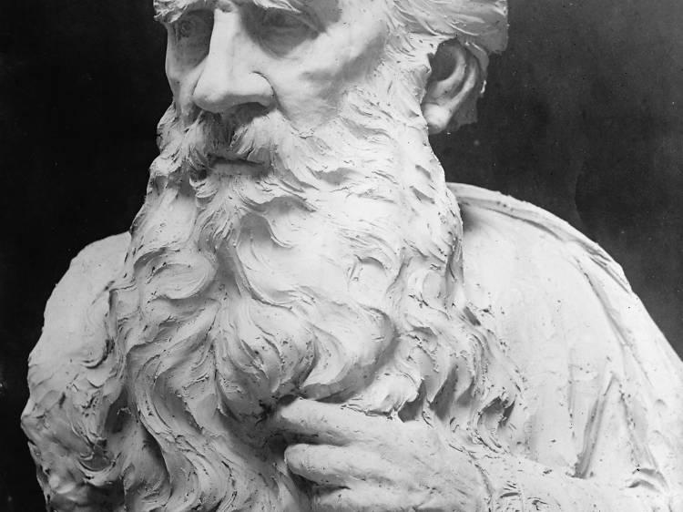 Peruse the statues of Selca