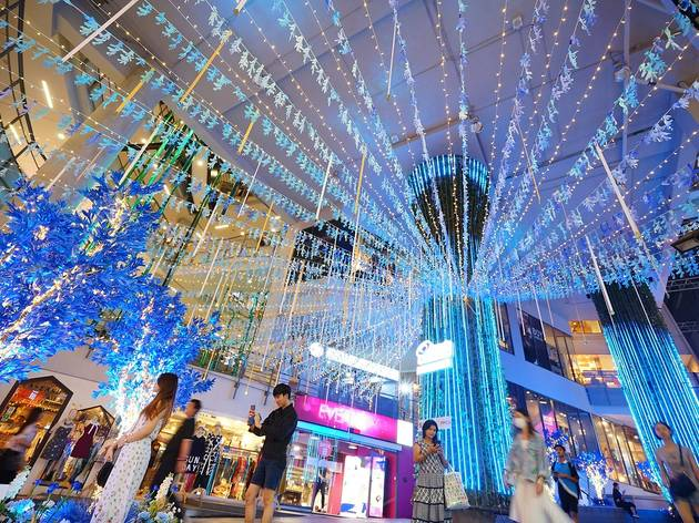 Head & Shoulders Supreme Argan Tree Lighting Festival at Siam Square One