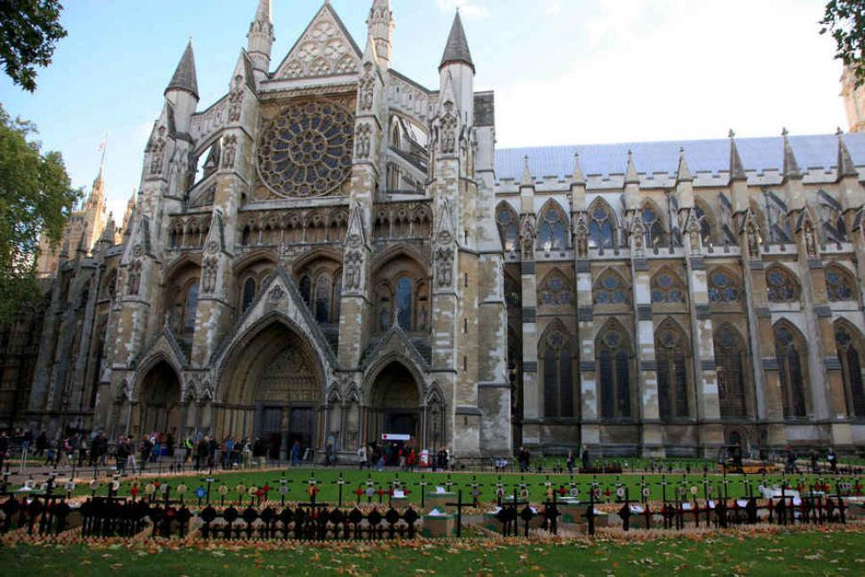 London walking tours- Highlights and afternoon tea