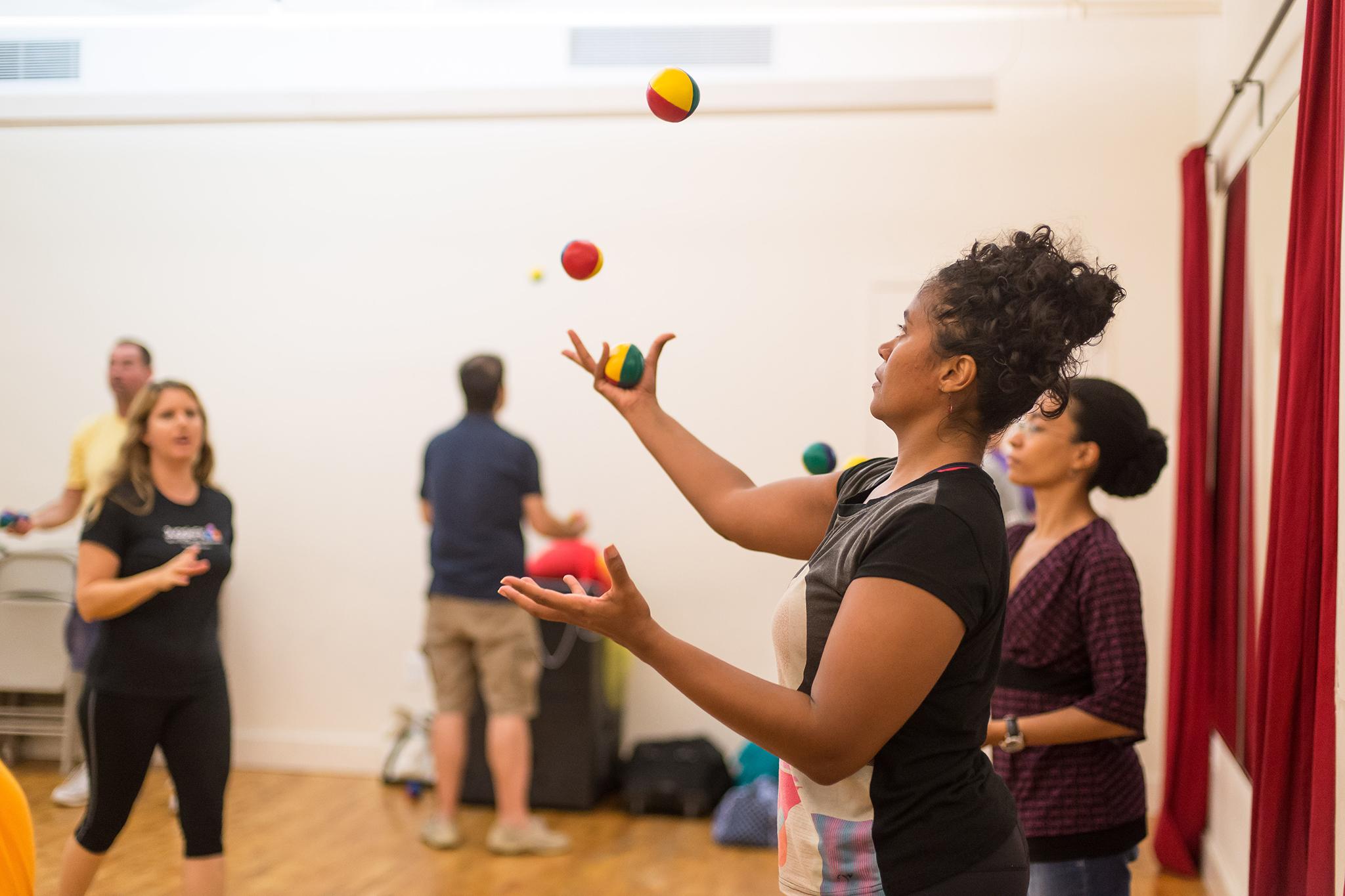 Learn to Juggle at JuggleFit