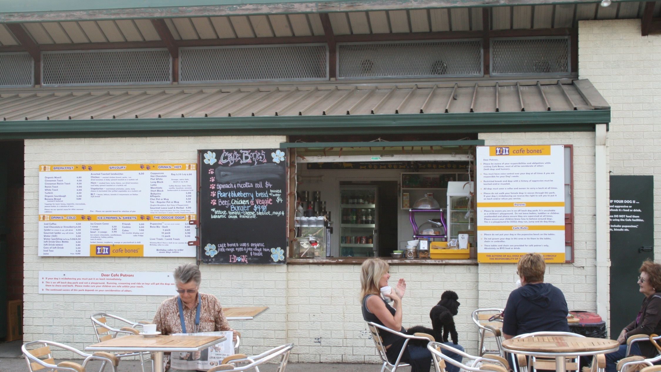 Cafe at Cafe Bones