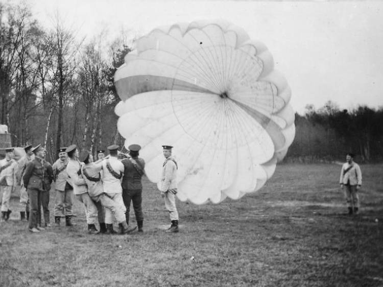 Discover the inventor of the parachute