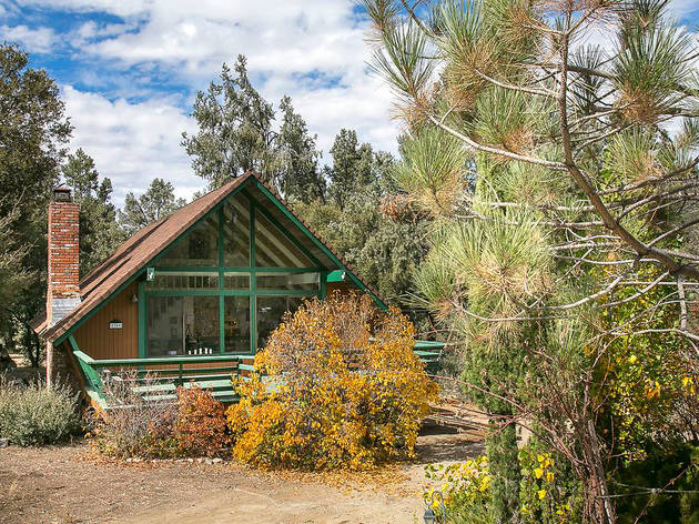 12 Cozy Cabins Near L A To Rent On Airbnb