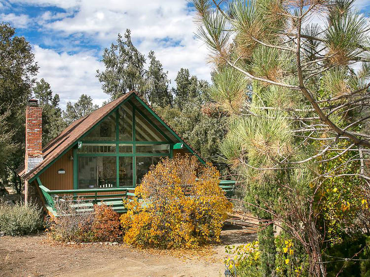 14 cozy cabins near L.A. that you can rent on Airbnb