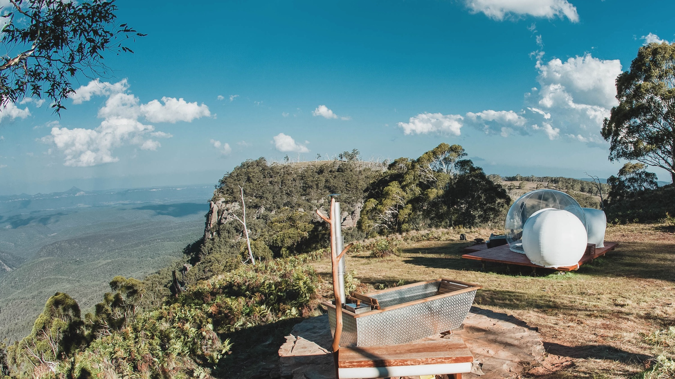 Bath and tent with deck at Bubble Tent Blue Mountains