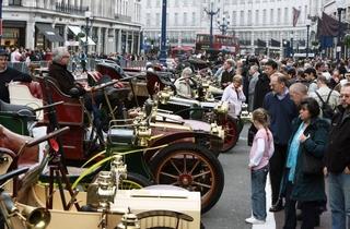 AT_RegentStreetMotorShow_press2011_001.jpg