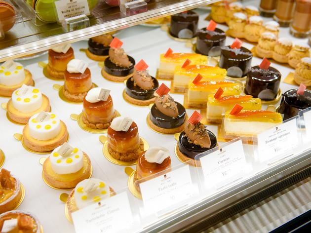アルノー・ラエールの日本1号店が広尾にオープン。人気のケーキやチョコレートが充実