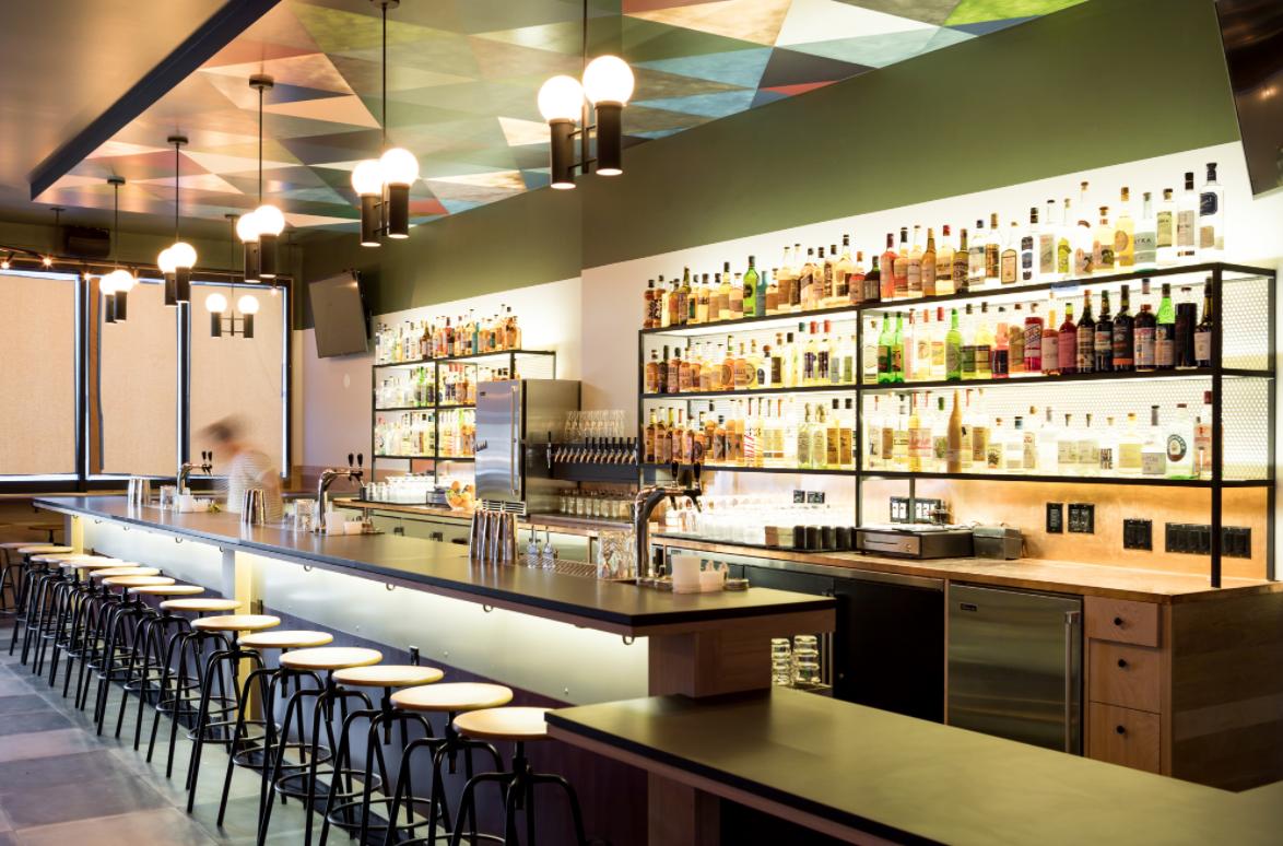 The bar at Junior
