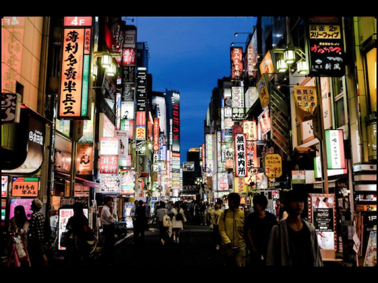 ナイトライフが最も充実している都市は東京、交通機関には不満も。外国人動向調査