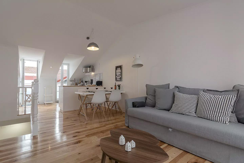 Airbnb Lisbon, Bairro Alto penthouse
