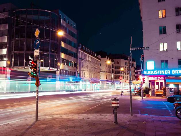 Glockenbach street scene