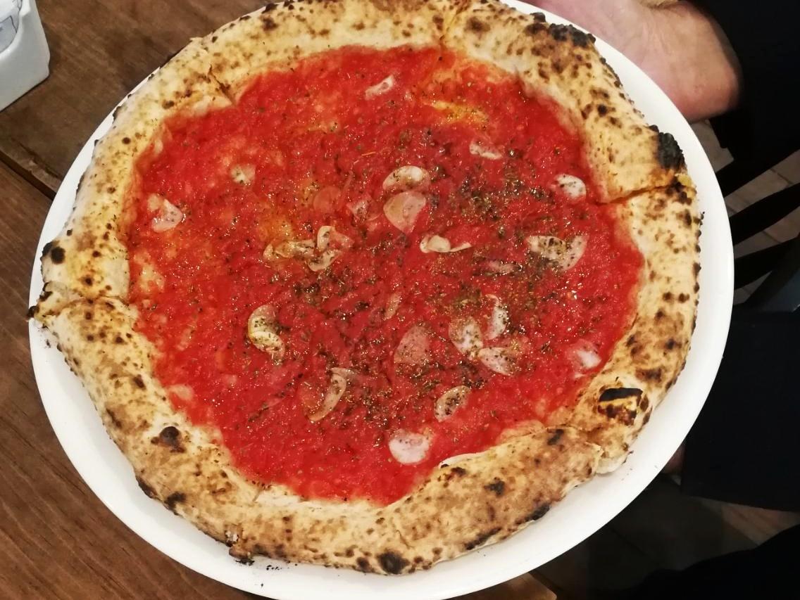 Pizza napolitana de Ardente