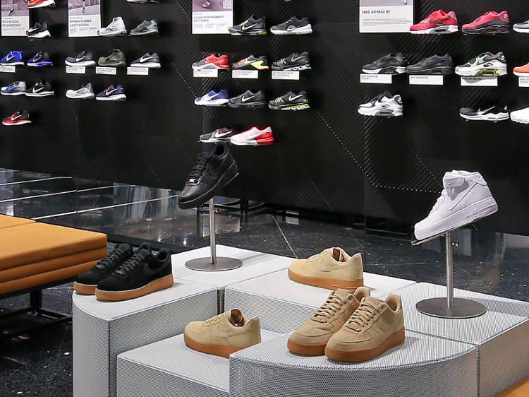 Nike Store Satélite
