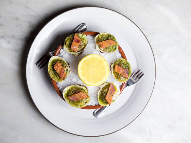 Baked clams with herb butter (Photograph: Jakob N. Layman)