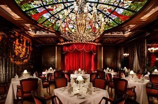 Dating restaurant Hong Kong uniformes rencontres prix au Royaume-Uni