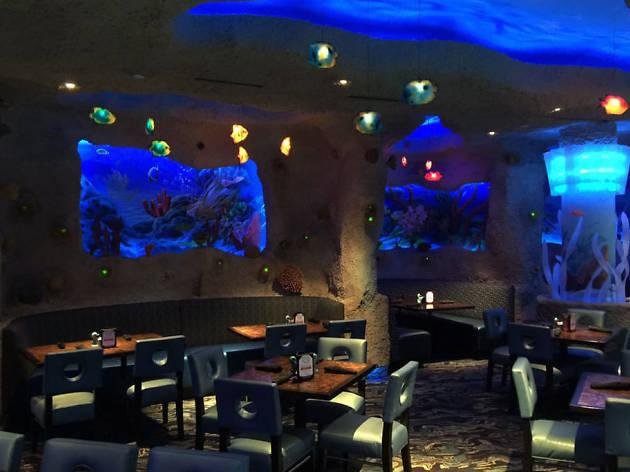 Aquarium Restaurant in Nashville
