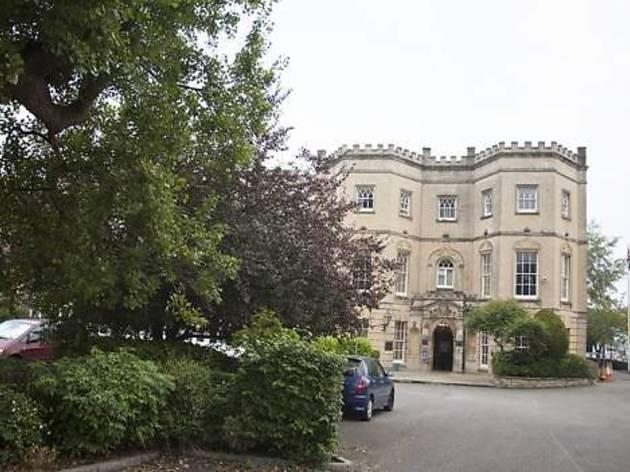 Arnos Manor Hotel