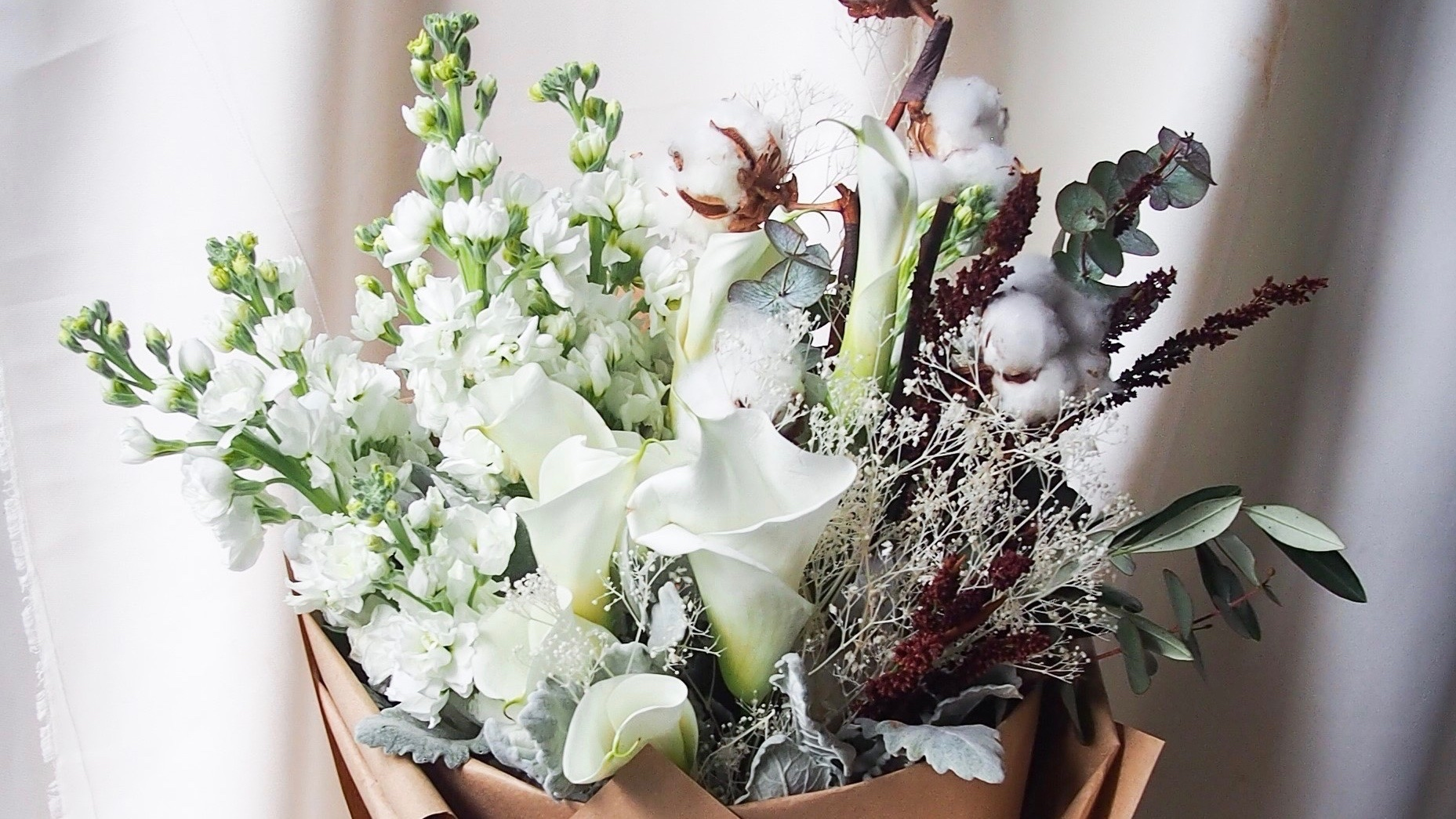 Floral Magic Winter bouquet
