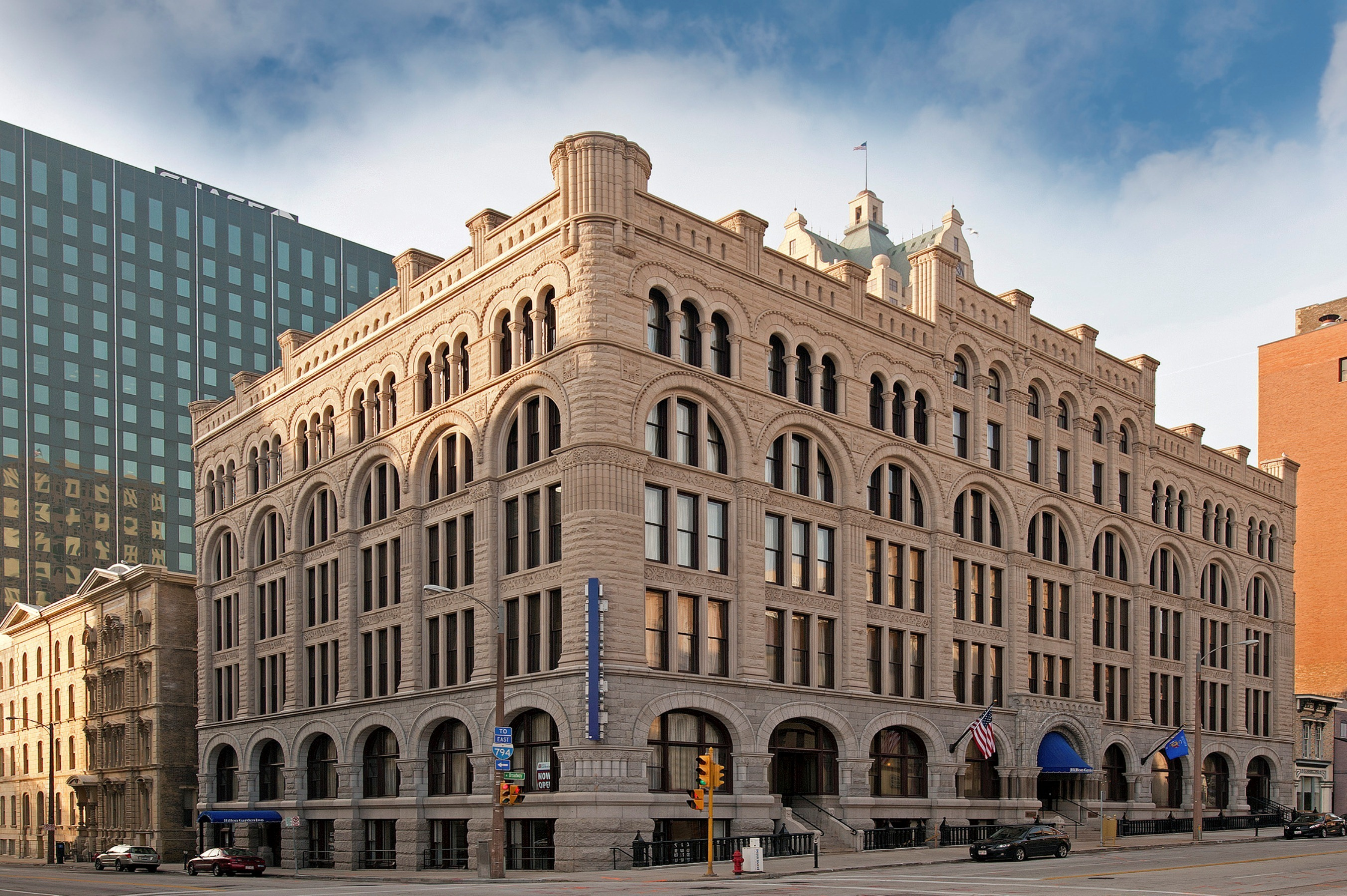 Best hotels in milwaukee including boutiques and more - Hilton garden inn grand ave chicago ...
