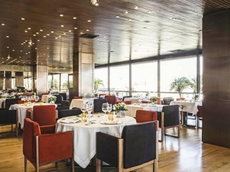 "Grill D. Fernando, Altis Grand Hotel – Robalo Cozido ""En Court Bouillon"""
