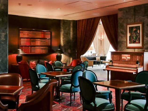 Ritz Bar / O Japonês