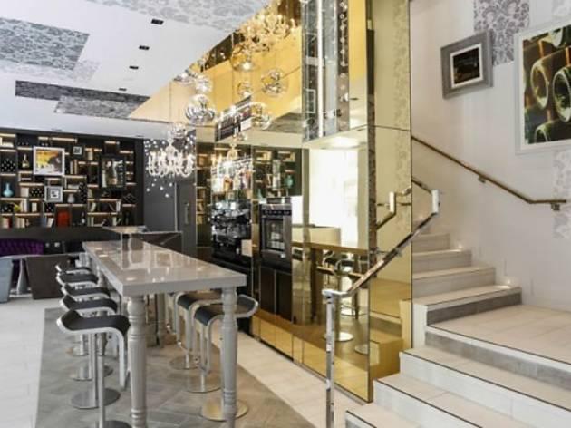 La Table du VII Restaurant & Bar à Vin
