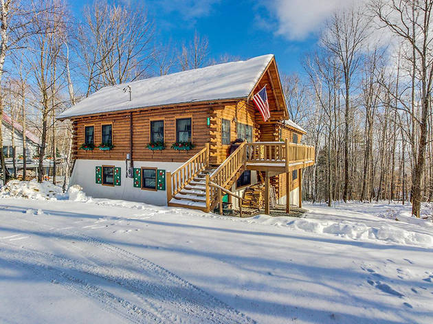 Classic Log Home in Ludlow, Vt
