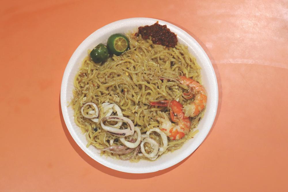 Hawker spotlight: Tiong Bahru Yi Sheng Fried Hokkien Mee