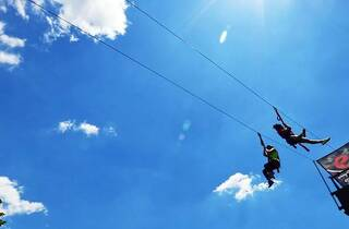 Woo! Zip-lining will return to Governors Island and we're pumped