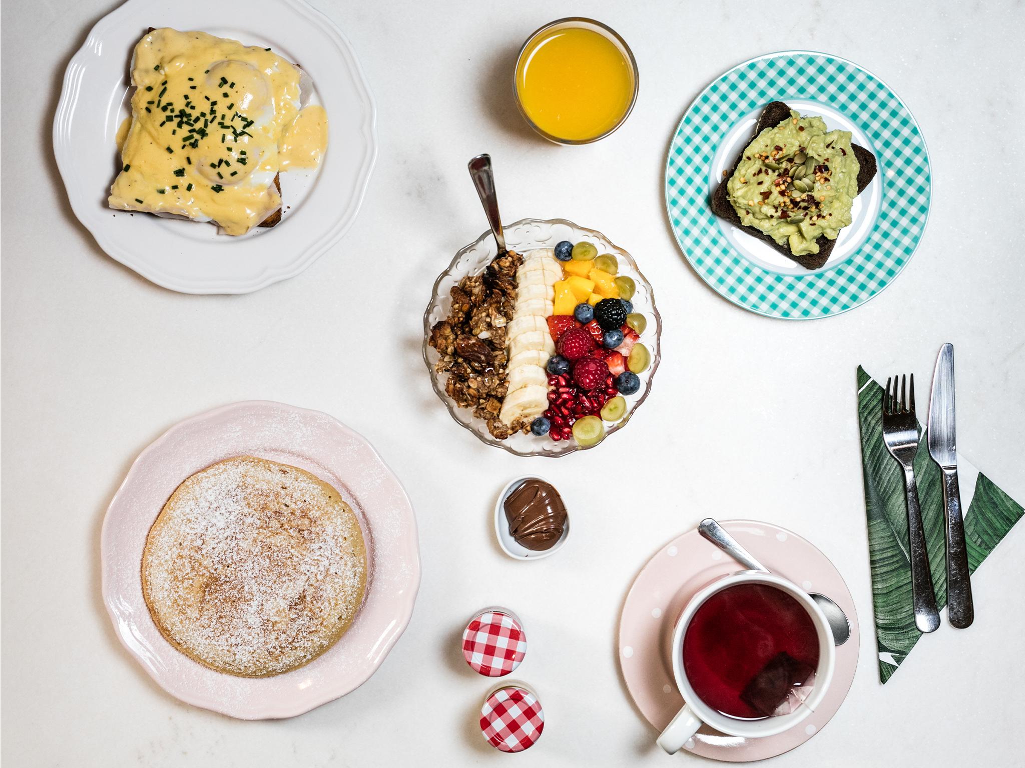 Tome o pequeno almoço no Nicolau Lisboa
