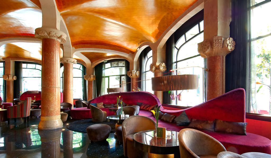 Casa Fuster,  Café Vienés