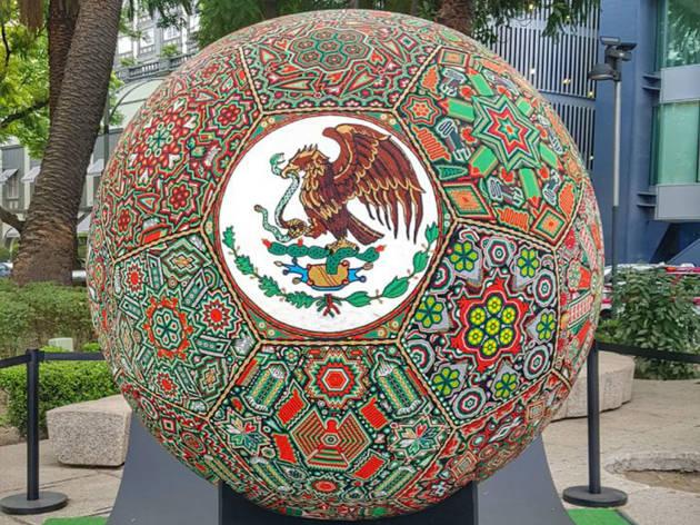 La exposición huichol más grande del mundo en Reforma