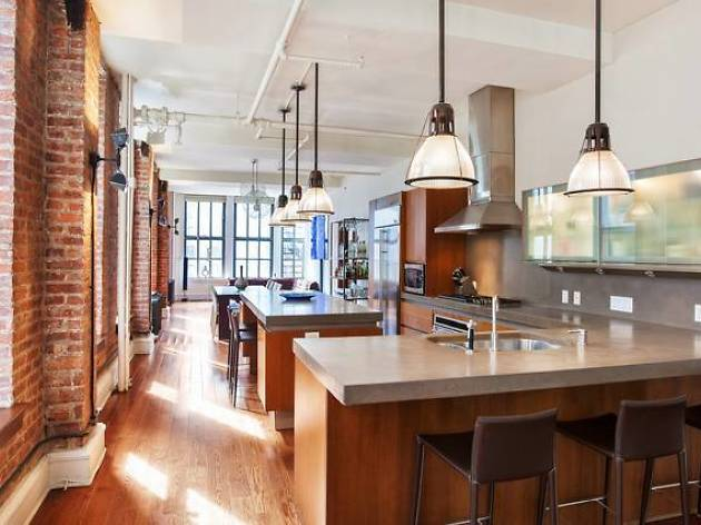 Airy loft with a chef's kitchen near Union Square