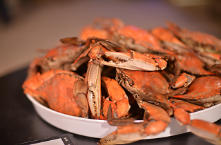 A bowl of boiled red crabs