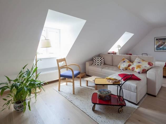 Airy four-bed studio in Schwabing