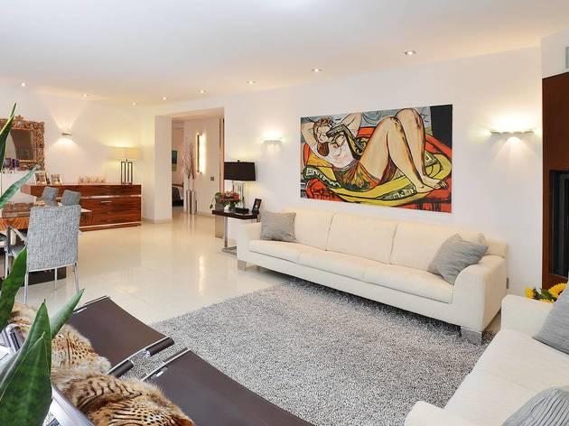 Upscale apartment by Englischer Garten