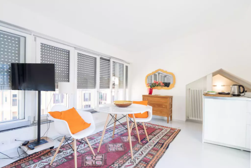 Studio with terrace in Brera