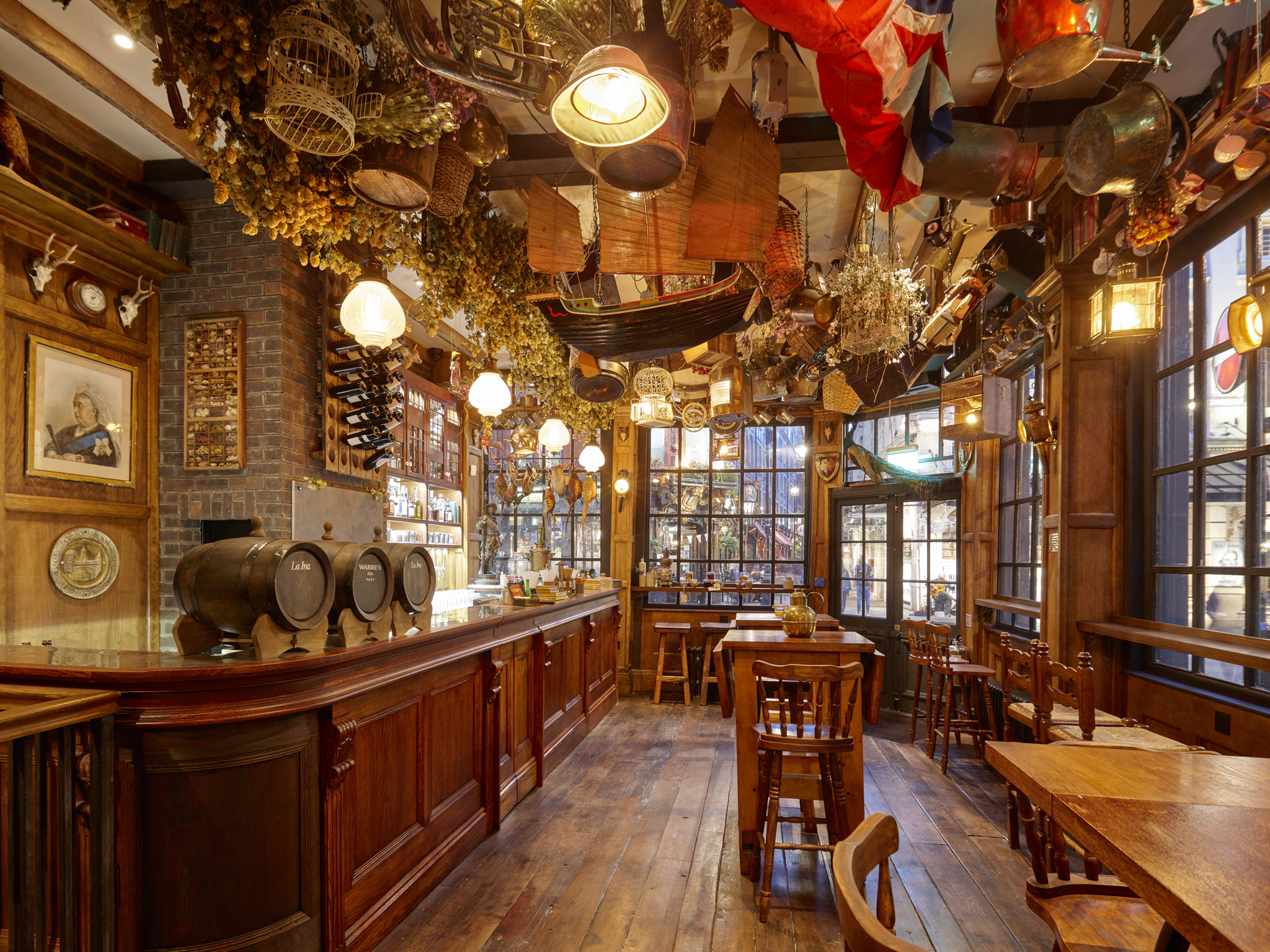 best pubs in london, mr fogg's tavern