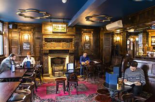 virgin queen, best pubs in london