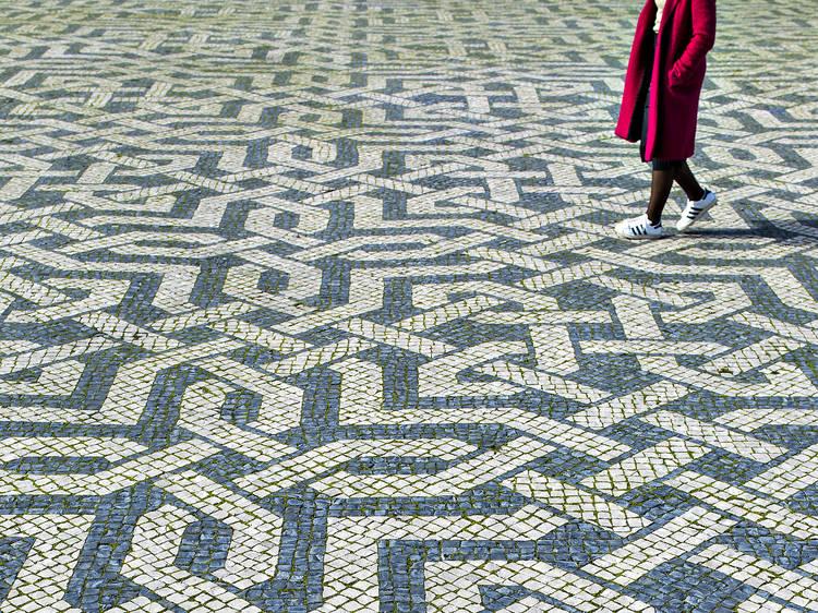 Calçada portuguesa reconhecida como Património Cultural Imaterial