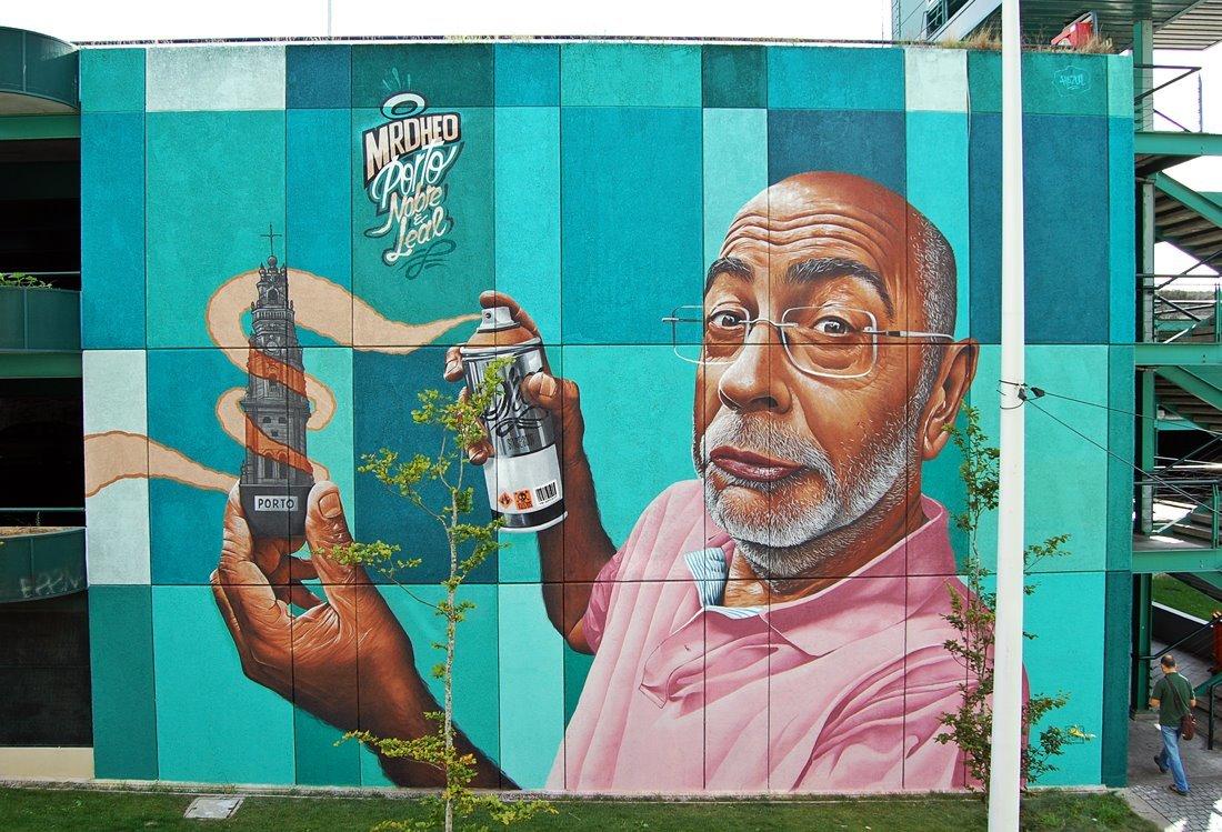 Mural da Trindade por Mr. Dheo
