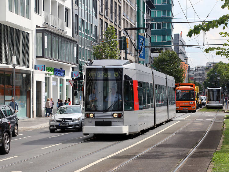 Watch traffic while on trams