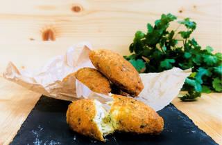 Taste of Portugal: Pasteis de Bacalhau