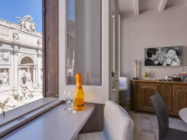 Luxury apartment on Trevi Square