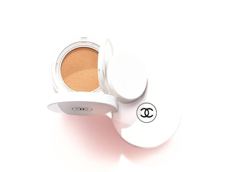 Chanel Le Blanc Oil-in-Cream Compact Foundation
